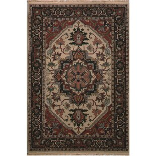 American Home Clic Heriz Hand Tufted Antiqued Ivory Area Rug
