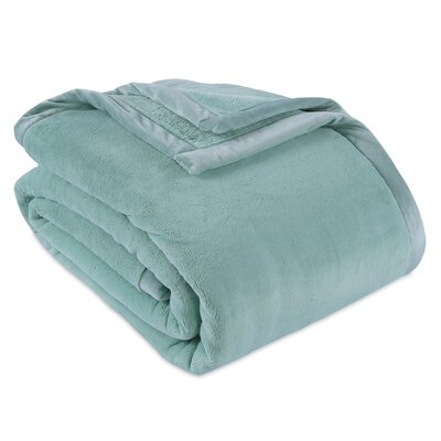 PrimaLush Heavyweight Blanket Berkshire Blanket Color: Sea Glass, Size: Twin