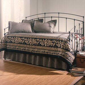 Leavitt Metal Daybed by Alcott Hill