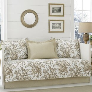 Bedford 5 Piece Reversible Quilt Set