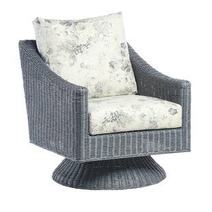 Review Nevaeh Armchair