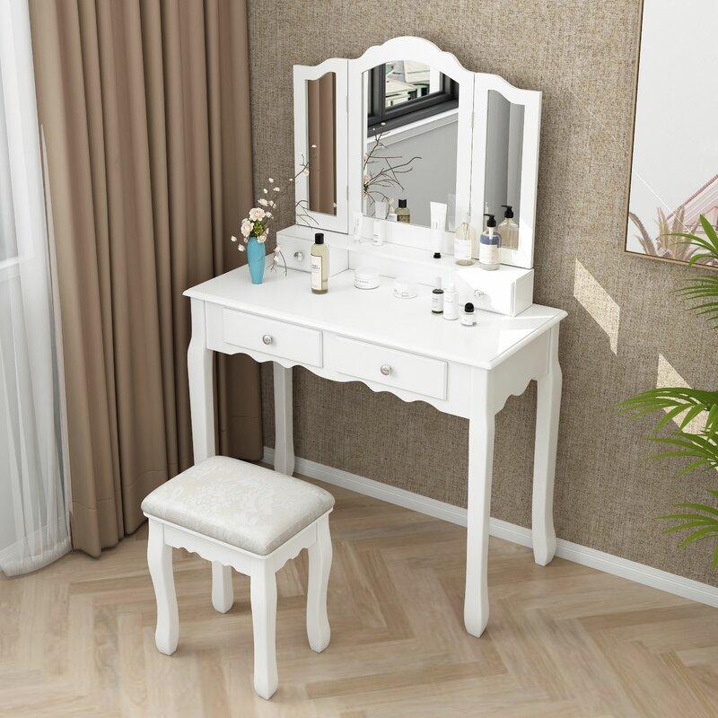 Hampton Rippeon Makeup Vanity Set