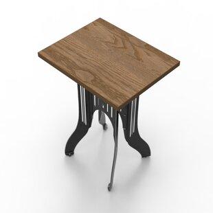 Titus Cruiser Side Table Pekota