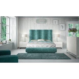https://secure.img1-fg.wfcdn.com/im/35762365/resize-h310-w310%5Ecompr-r85/7866/78664708/jerri-king-platform-4-piece-bedroom-set.jpg