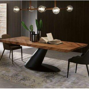 YumanMod Taurus Dining Table