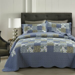 Blueberry Patch 3 Piece Reversible Quilt Set