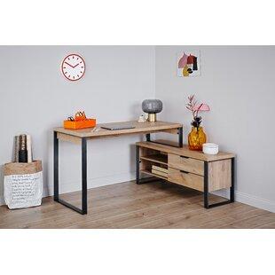 Corner Desk By Jahnke