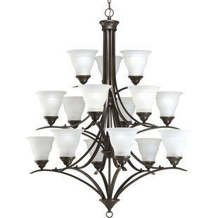 Charlton Home Roquefort Traditional 15-Light Shaded Chandelier