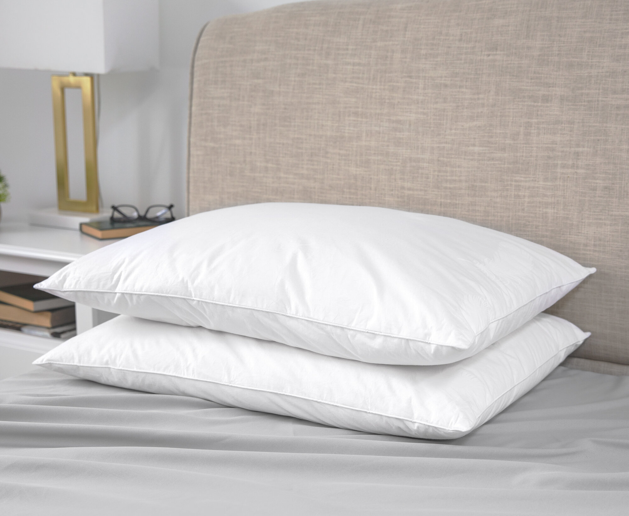 NEW LUXURY SOFT 100/% DUCK FEATHER FILLING COMFORTABLE PILLOW PAIR