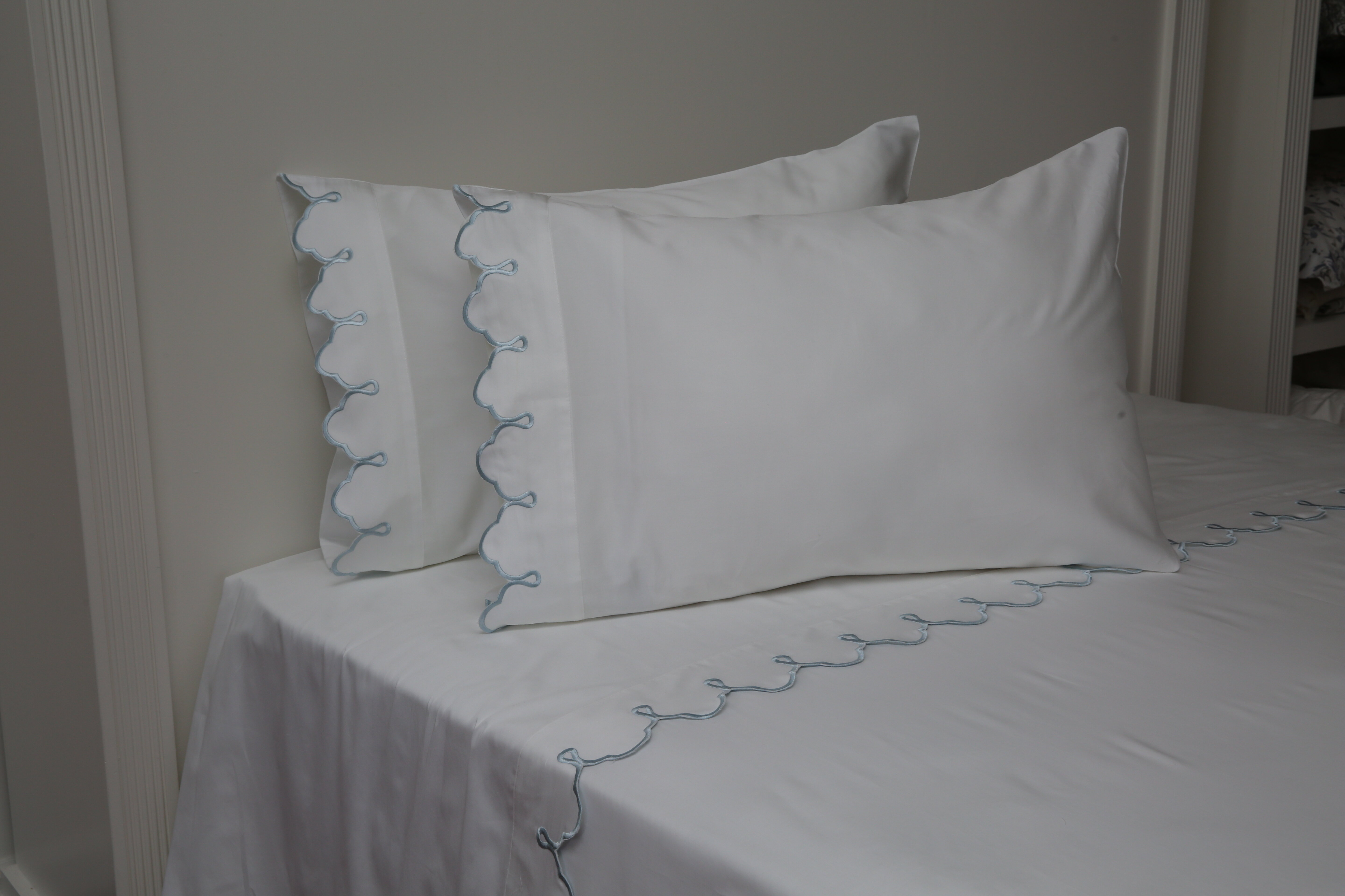 New Sealed Queen Size Fitted Bed Sheets /& 2 Pillowcase 100/% Cotton 1200 count