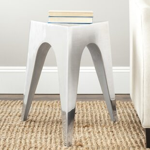 Affordable Schutt Triangle End Table by Ivy Bronx