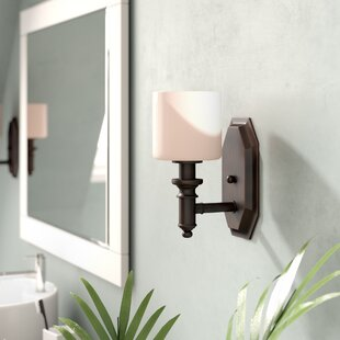 Beachcrest Home Mumford 1-Light Bath Sconce