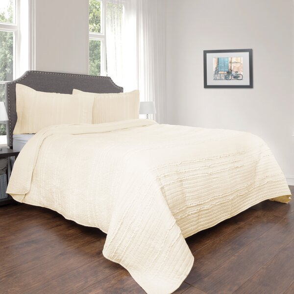 Vintage Ruffle Bedding | Wayfair