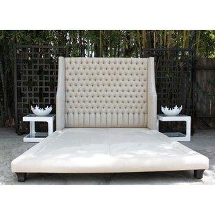 Decenni Taglia Queen Upholstered Platform Bed