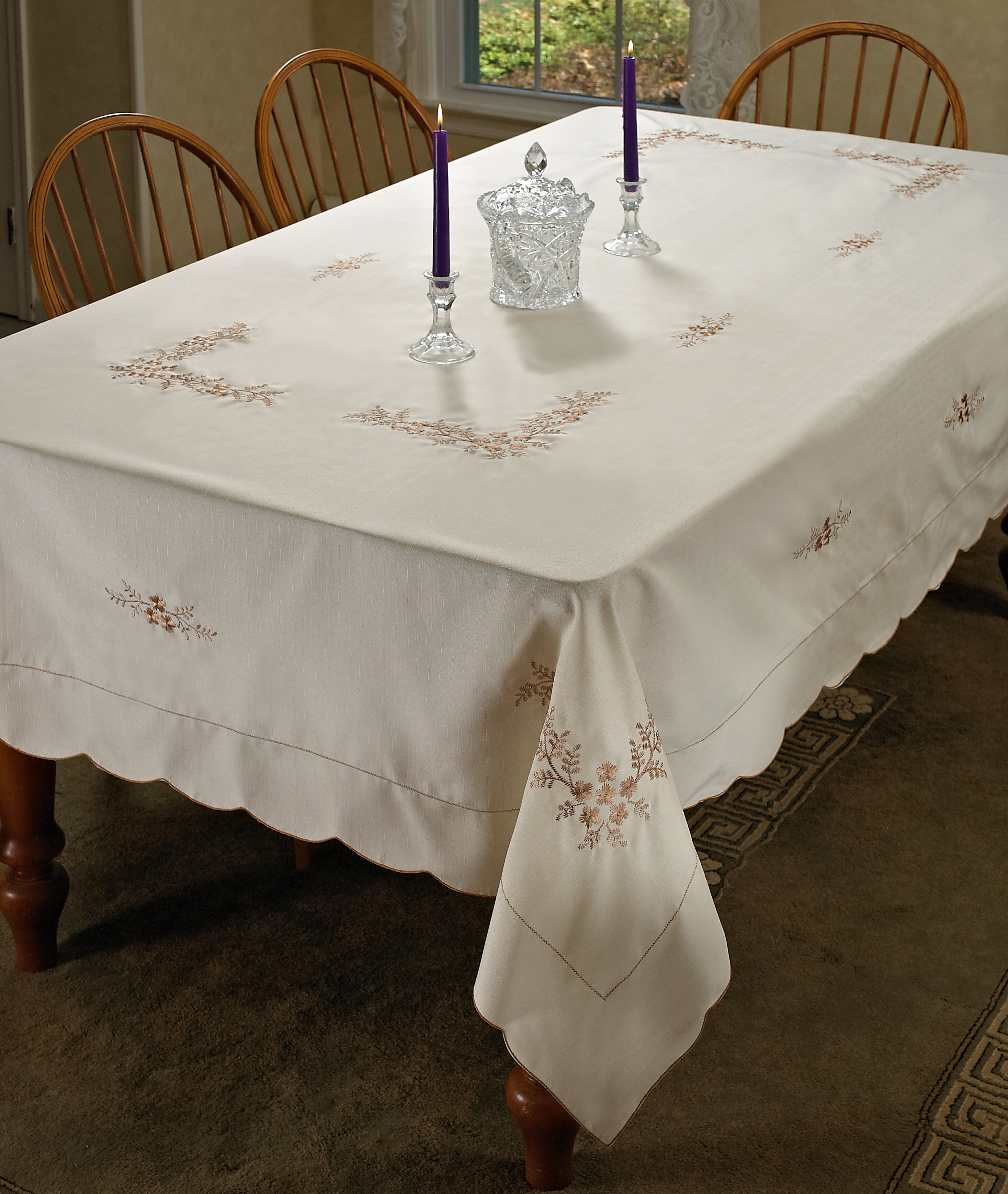 Round White Tablecloths Up To 65 Off Until 11 20 Wayfair Wayfair