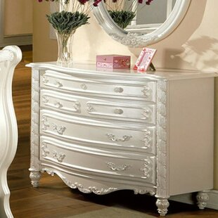 Rosdorf Park Bordner 4 Drawer Dresser