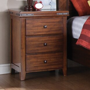 Nashoba 3 Drawer Nightstand by Loon Peak