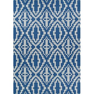 Tilden Sea and Dune Blue/White Indoor/Outdoor Area Rug
