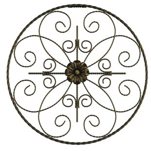 Round Metal Wall Décor