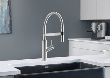 Blanco Solenta Semi-Professional Pull Down Single Handle Kitchen Faucet  Finish: Chrome