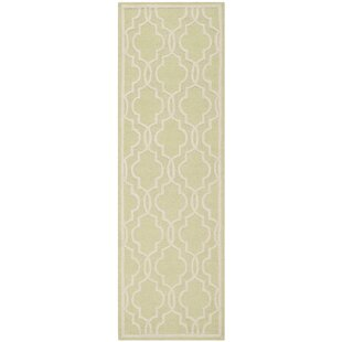 Martins Hand-Tufted Wool Light Green/Ivory Area Rug by Wrought Studio