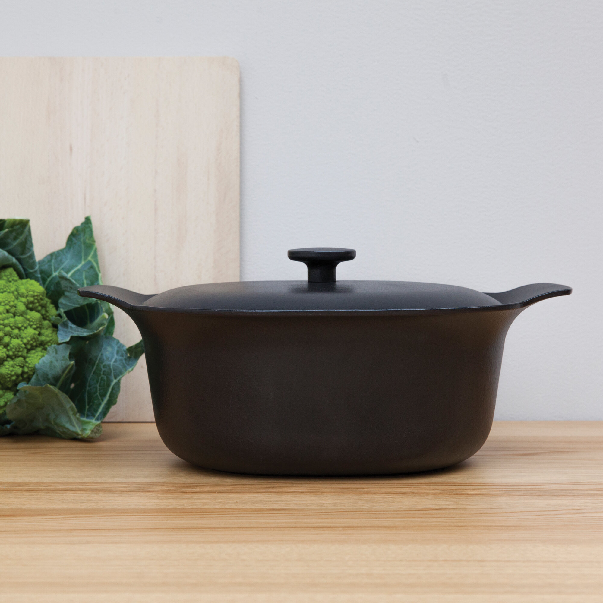 Berghoff International Ron 5 5 Qt Cast Iron Oval Covered Casserole With Lid Wayfair