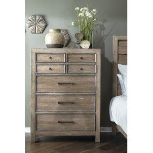 Laurel Foundry Modern Farmhouse Fort Oglethorpe 7 Drawer Chest