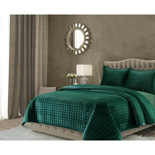 Beautiful Roesch Solid Oversized Quilt Set