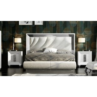 Jerri Standard 3 Piece Bedroom Set