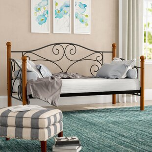 Wolfhurst Twin Daybed by Alcott Hill