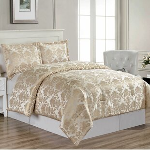 Cheesman Comforter Set