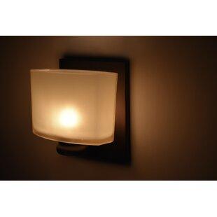 Savings Mayle 1-Light Bath Sconce By Latitude Run