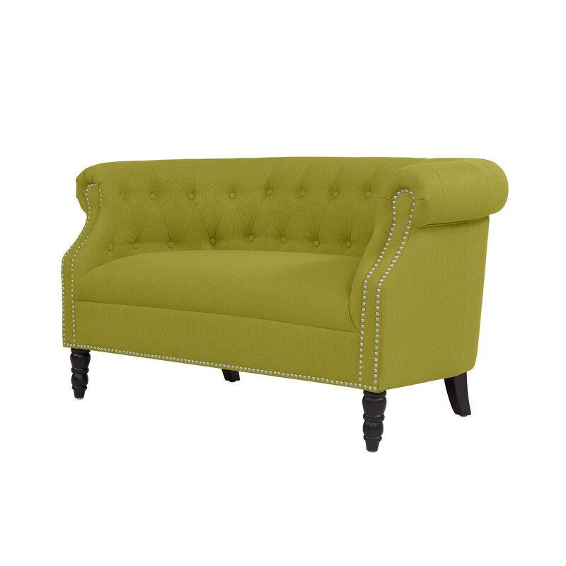 Quinones Chesterfield Loveseat