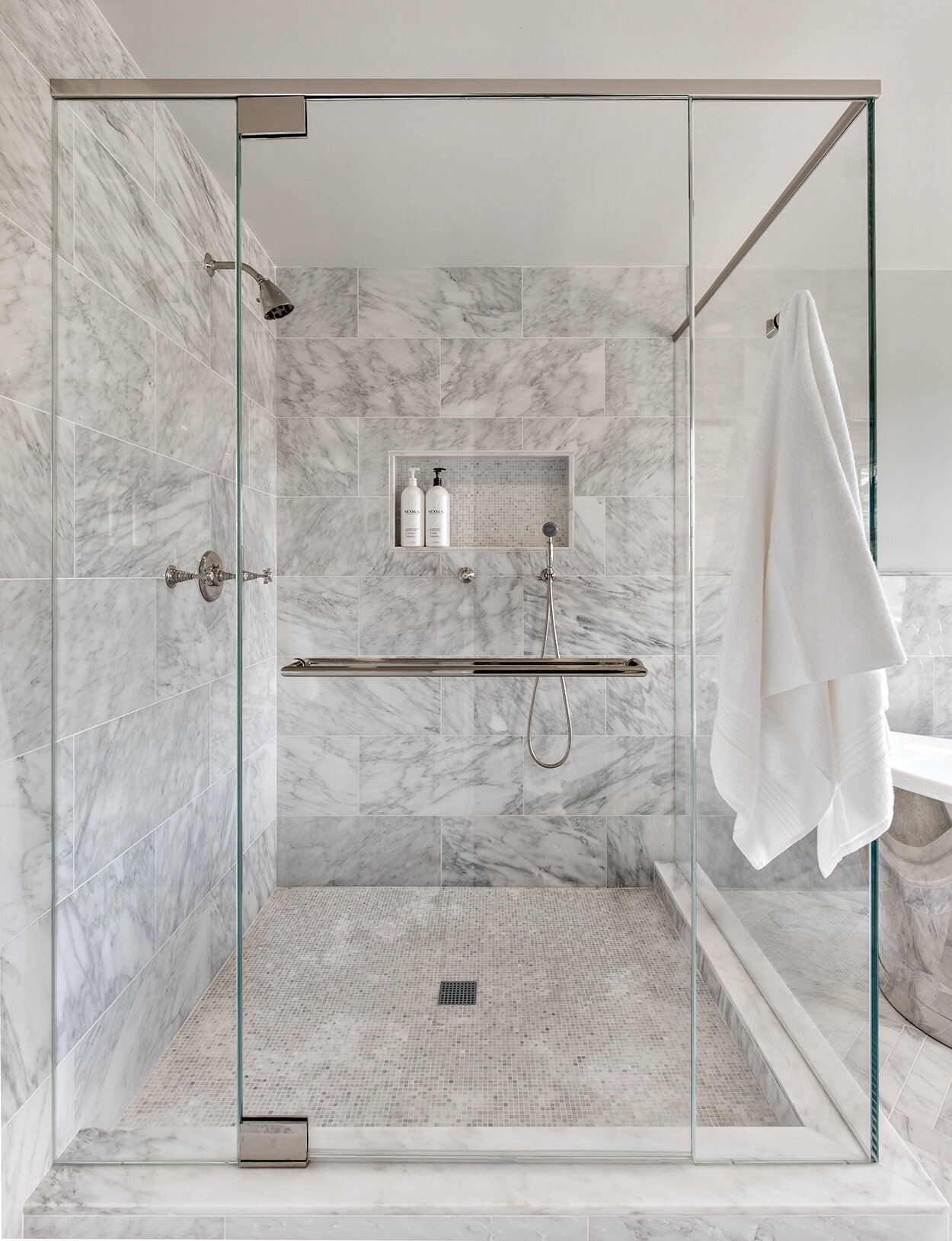 11 Dazzling Shower Tile Ideas For Your Shower Renovation