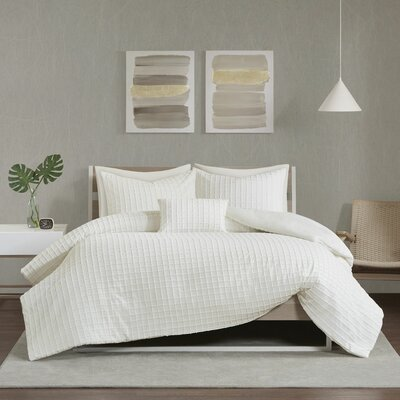 Alison Chenille Jacquard Comforter Set Wrought Studio