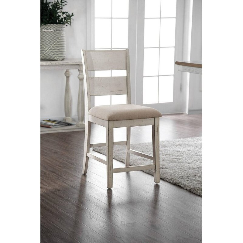 Rosecliff Heights Neve Upholstered