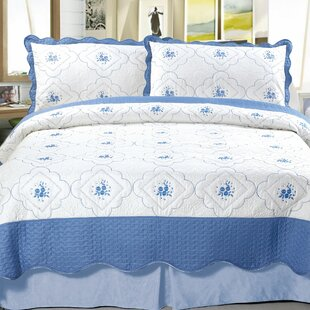 Brianna Embroidered Quilt Set