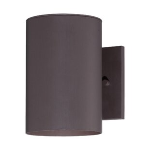 Moonsu Contemporary 1-Light Metal Shade Outdoor Sconce By Orren Ellis Outdoor Lighting