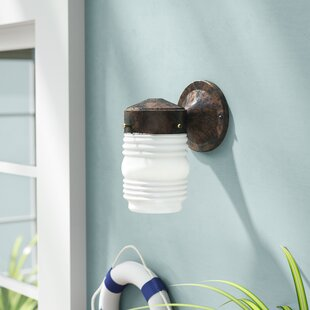 Hartnell Traditional 1-Light Outdoor Sconce