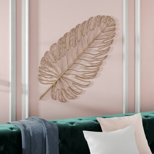 Hanging Metal Feather Wall Décor