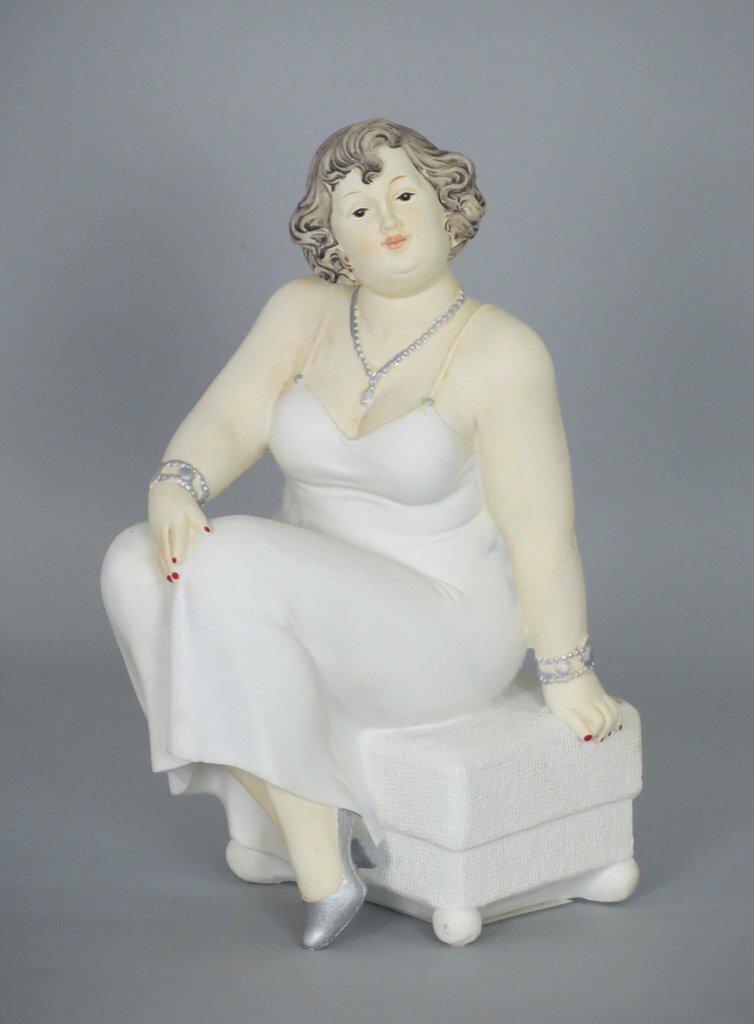Figur Kurvige Dame, sitzend