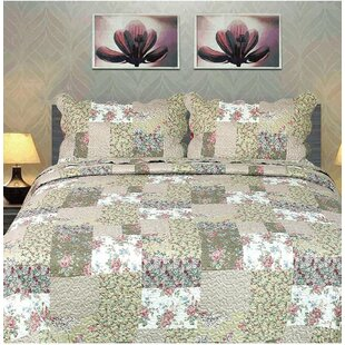 Floral Outing Quilt Set