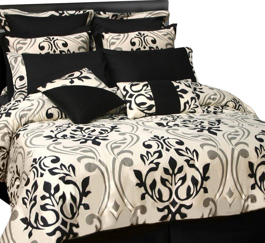 Westervelt 24 Piece Reversible Bed In A Bag Set