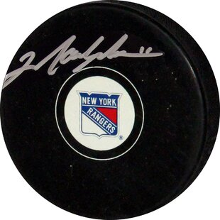 Decorative Mark Messier Rangers Autograph Puck. By Steiner Sports 6ae745ede