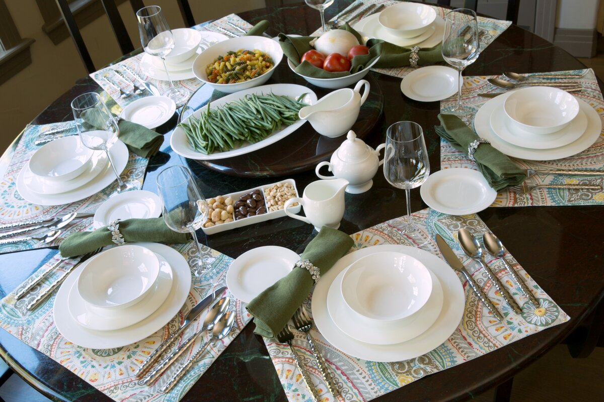 Maret Bone China 32 Piece Dinnerware Set Service for 6 : bone china dinnerware - pezcame.com