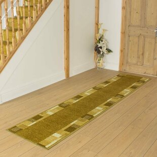 Bale Looped/Hooked Green Hallway Runner Rug By ClassicLiving