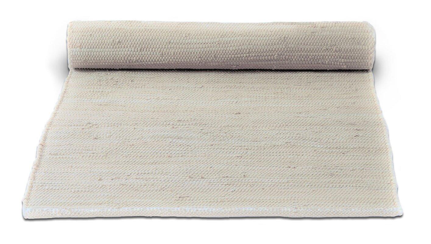 Handgefertigter Teppich Aus Baumwolle In Wüstenweiß