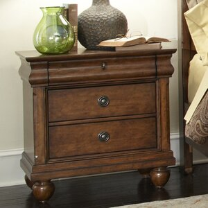 Oreana 3 Drawer Wood Bachelor's Chest