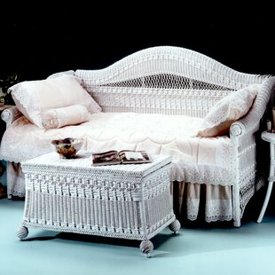 Yesteryear Wicker Classic Daybed