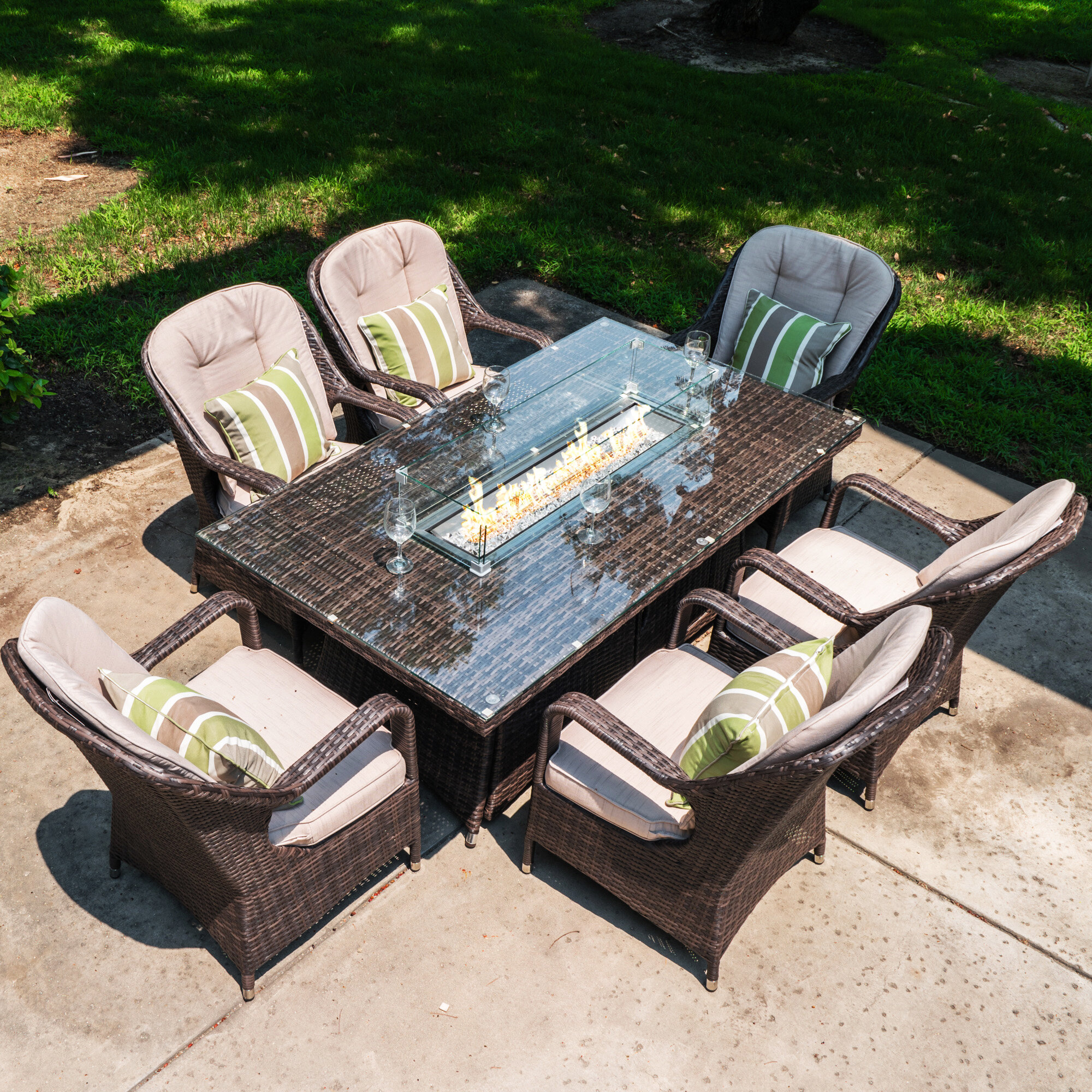 Bon Lawson 7 Piece Dining Set With Cushions And Firepit
